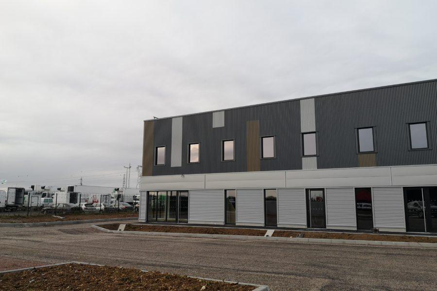 Local d'activités a vendre a louer Ifs Caen Normandie
